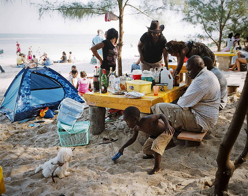 Joan Bardeletti, a photographer based in France, won the second prize in the Daily Life Singles category for this picture of a Sunday picnic, in Mozambique