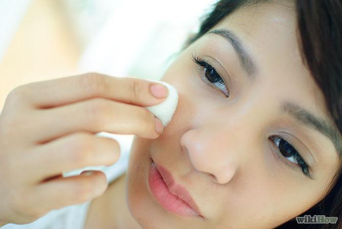Appliquer le jus de citron à un coton-tige et d'appliquer à toutes les zones touchées de votre visage-Use-Lemon-Juice-to-Lessen-Acne-and-Heal-Acne-Scars-Step-3