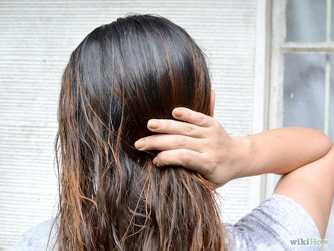Asseyez-vous au soleil pendant 1 à 2 heures. -Use-Lemon-Juice-to-Lighten-Hair-Step-3-Version-2