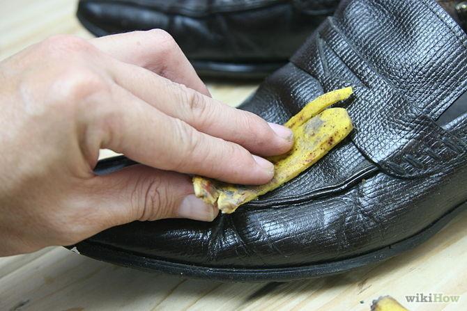 Etape 1 Utiliser les bananes nettoyer chaussure -Use-Banana-Peels-Step-1