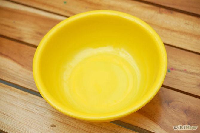 Trouver un petit bol qui est assez grand pour vous de mettre vos ongles-YellowedFingernails-Step-2
