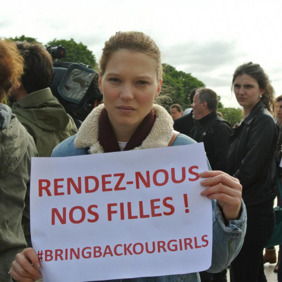 2 lea-seydoux-se-mobilisebring back girls