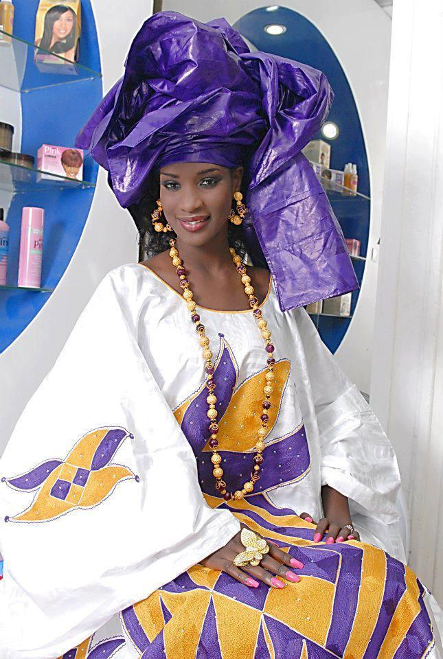 robes de mari e en tenue traditionnelle africaine. Black Bedroom Furniture Sets. Home Design Ideas