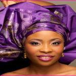 """Mariage : comment attacher le foulard à la nigériane ? Style """"gele"""""""