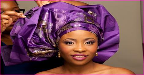 """87327f7554d6 Mariage   comment attacher le foulard à la nigériane   Style """"gele ..."""