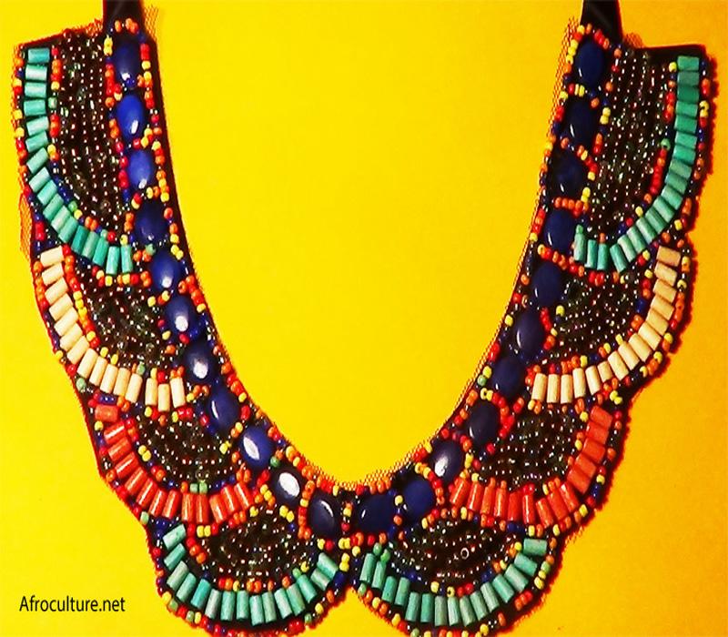 Collier ethnique africain Amina DSC05334-700