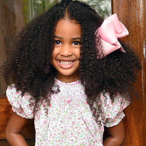 10 coiffures pour petites filles noires et m tisses - Coiffure petite fille metisse ...