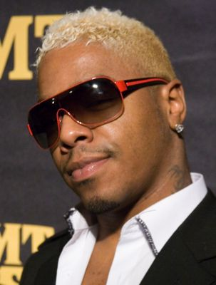 sisqo cheveux blonds