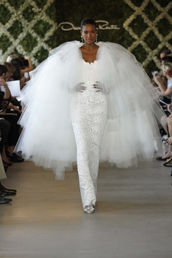 arlenis-sosa-oscar-de-la-renta-bridal-2013-collection-05-597x895