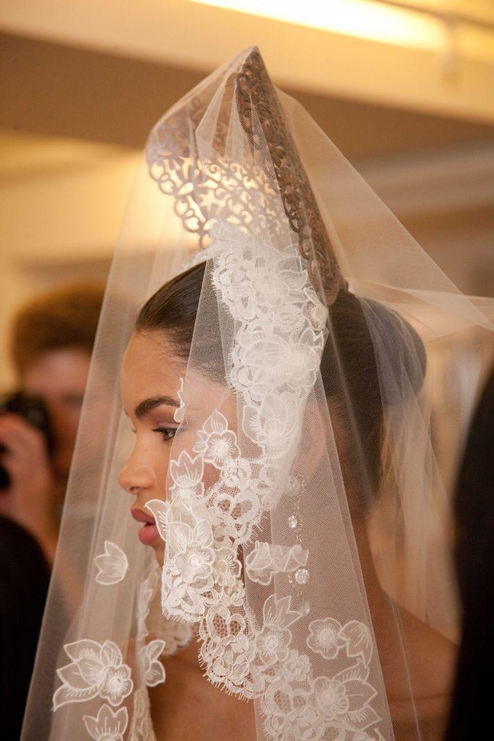 spring-2013-wedding-dress-oscar-de-la-renta-bridal-gowns-lace-veil__full