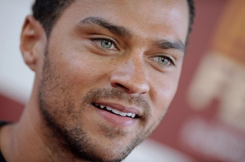 jesse-williams-blue-eyes