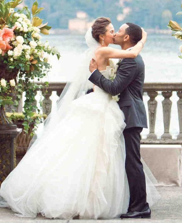 Chrissy Teigen Model Wedding Dress | Vera Wang – Afroculture.net