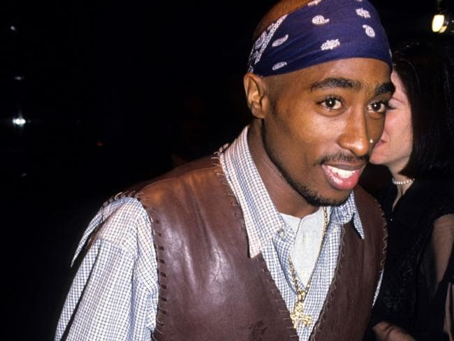 Tupac In Bandana A Memorable And Timeless Fashion Style