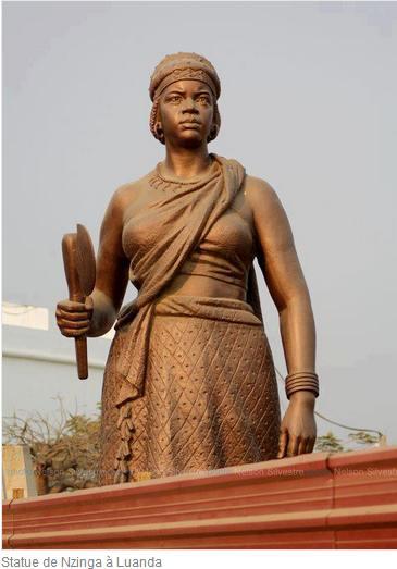 Statue de Nzingha à Luanda
