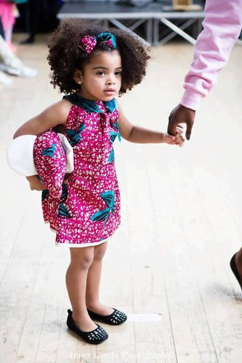 Les enfants en tenue traditionnelle africaine (4)