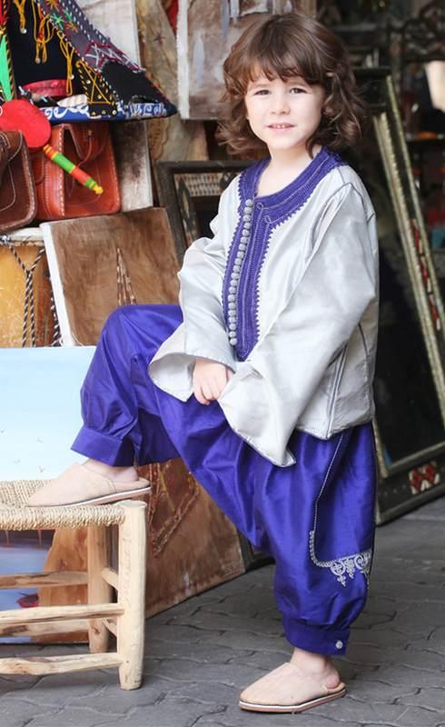 Les enfants en tenue traditionnelle africaine - Jabador-Maroc