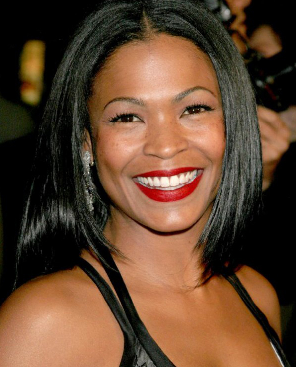 Nia-Long-red lipstick