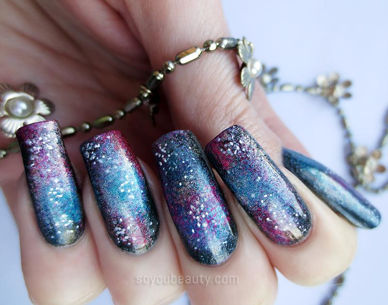 holographic-galaxy-nail-art