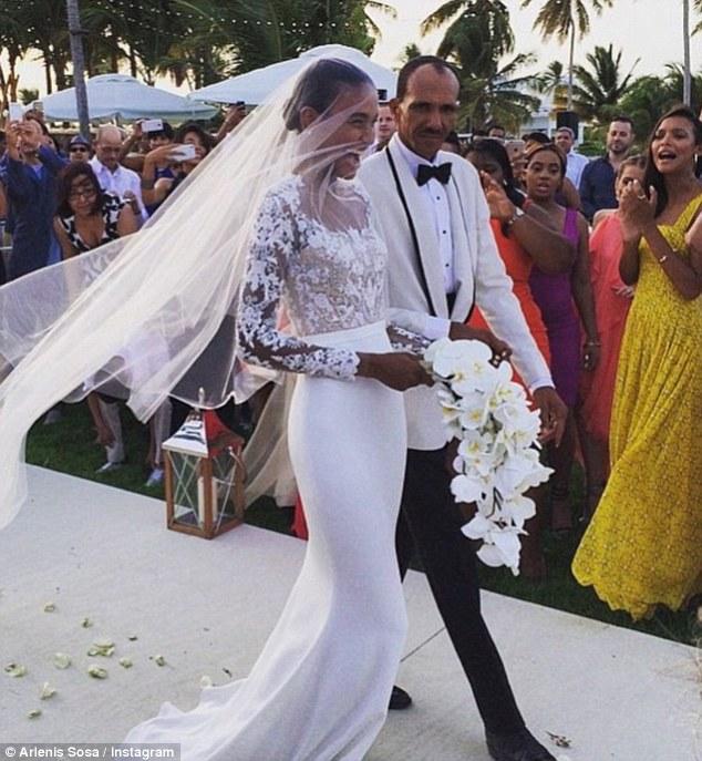 arlenis_sosa_married_her_basket