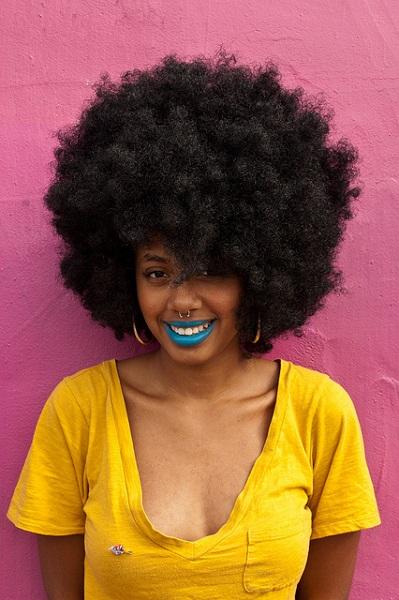 blue-lipstick-1