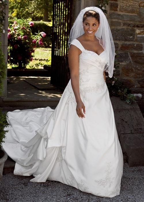 robes-de-mariee-femme-noire-et-metisse-1