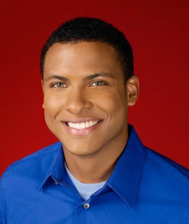 errol-barnett-news-anchor-green-eyes