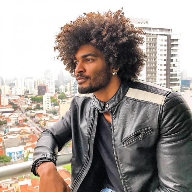 Coupe cheveux afro mi long homme
